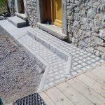 Marches et trottoir pavés et bordures granit